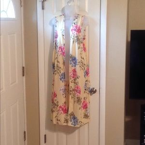 Myespen floral print sleeveless cardigan Sz: L